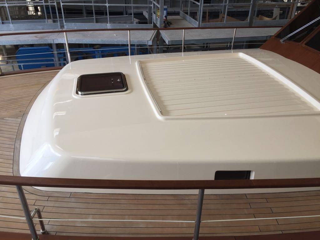Morgan Yacht 70 deck