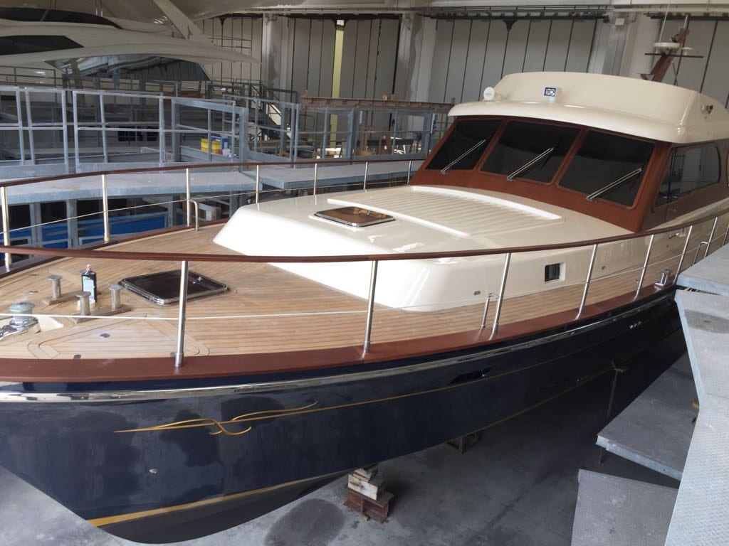 Morgan Yacht 70 wood deck