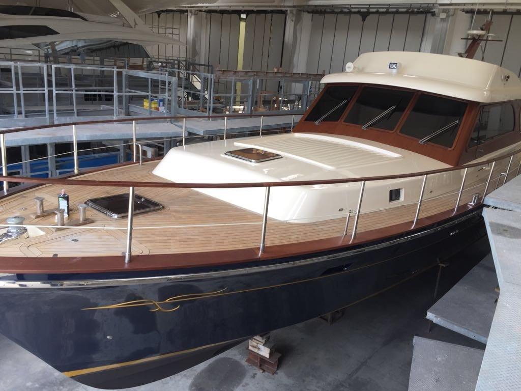Morgan Yacht 70 wood deck
