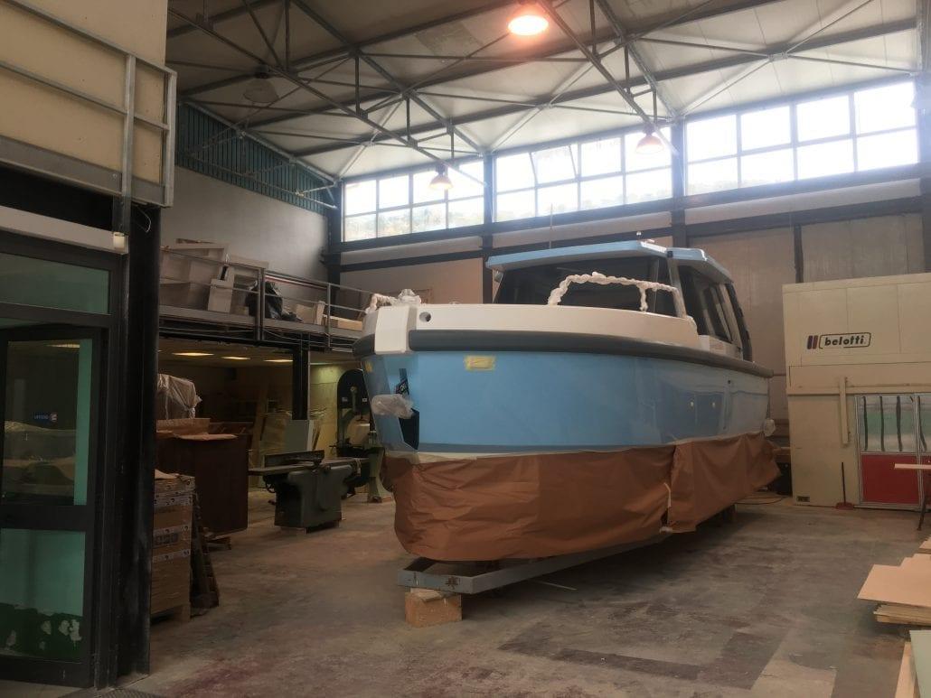 Hybrid Boats - Ethos EC 30