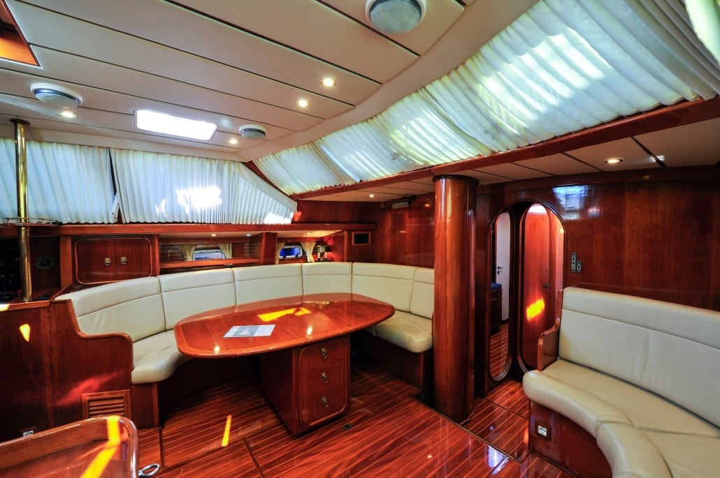 Oyster yacht  68 interior
